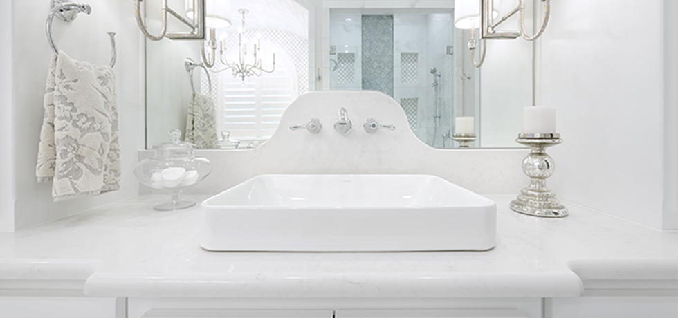 2018 Parade of Homes | Pristine Quartz Bath