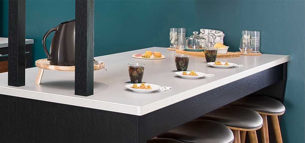 Retro Modern Residential Kitchen   Laminate Countertops