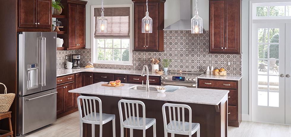 Inviting Kitchen | Semi-Translucent Quartz